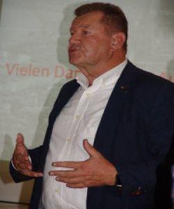 Michael Schleicher bei seinem engagiertem Vortrag
